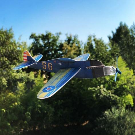 un mini avion à construire